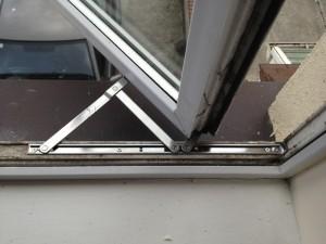 Broken-upvc-window-hinge-repair-liverpool