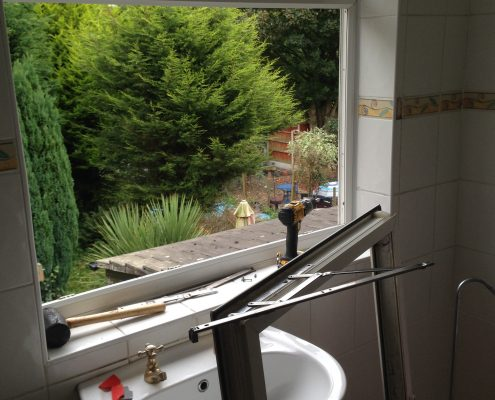 upvc_repiar_liverpool_window_hinges_relacment_repair